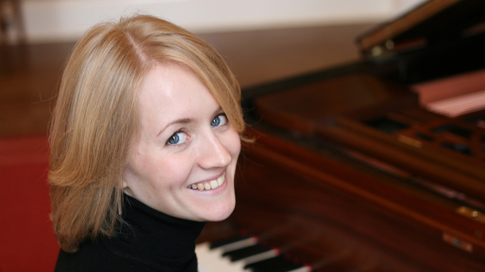 Elspeth Wyllie, Piano